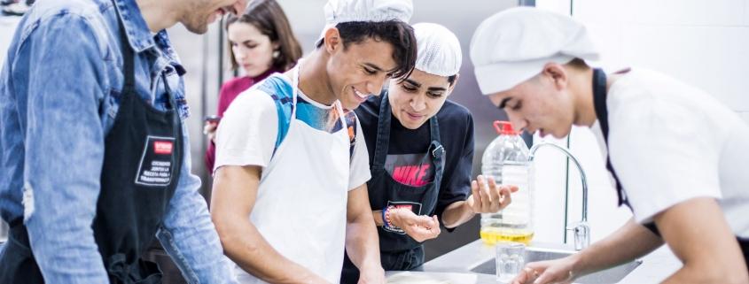 Jóvenes, en formación sobre hostelería