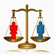 Dibuix d'icones d'un homei una dona en una balança en equilibri